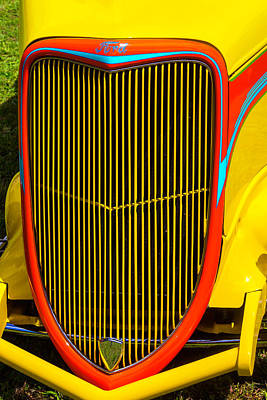 Pinstriping Photograph - Yellow Ford Hot Rod Grill by Garry Gay