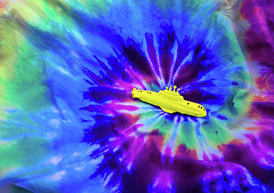 Yellow Submarine Print by Daniel Furon