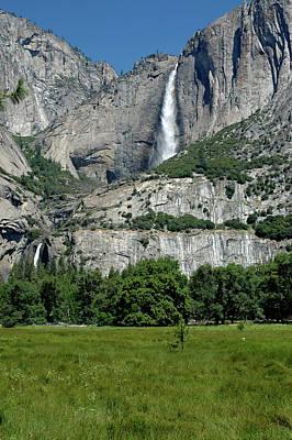 Still Life Photograph - Yosemite Falls 16 by LeeAnn McLaneGoetz McLaneGoetzStudioLLCcom