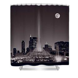 Buckingham Fountain Nightlight Chicago Bw Shower Curtain by Steve Gadomski
