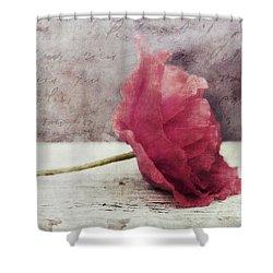 Decor Poppy Horizontal Shower Curtain by Priska Wettstein