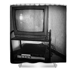 Television And Recorder Shower Curtain by Les Cunliffe