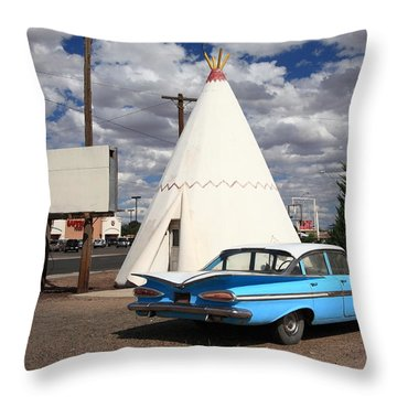 Route 66 - Wigwam Motel Throw Pillow by Frank Romeo