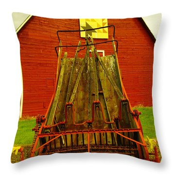 An Old Barn In Kittitas Throw Pillow by Jeff Swan