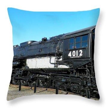 Big Boy 4012 Throw Pillow by Feva  Fotos