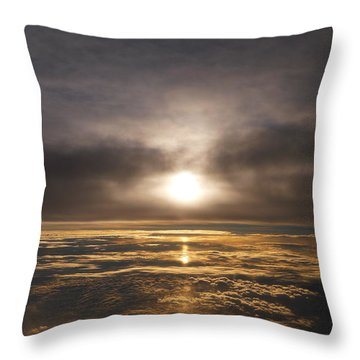 Five And A Half Mile Sunset Throw Pillow by Richard Reeve