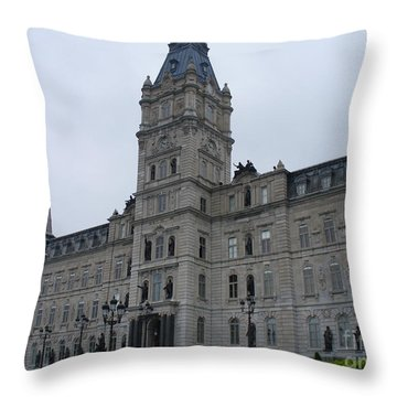 Full View Of Quebec's Parliament Building Throw Pillow by Lingfai Leung