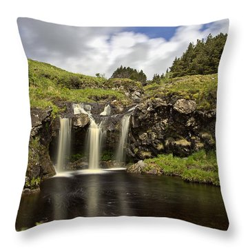 Glen Brittle Throw Pillow by David Pringle