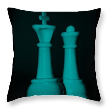 King And Queen In Turquois Throw Pillow by Rob Hans