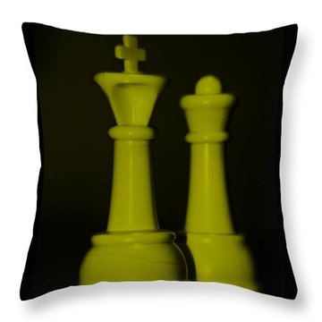 King And Queen In Yellow Throw Pillow by Rob Hans