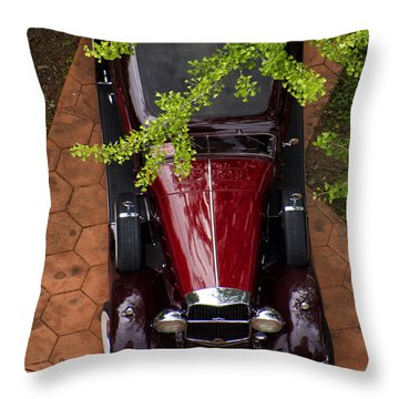 Lincoln Town Car Throw Pillow by Thomas Woolworth