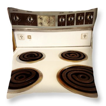 Stove Top Throw Pillow by Les Cunliffe