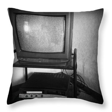 Television And Recorder Throw Pillow by Les Cunliffe