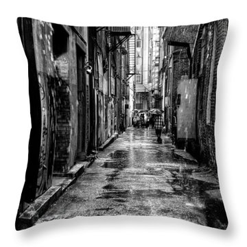 The Alleyway In Market Square - Knoxville Tennesse Throw Pillow by David Patterson