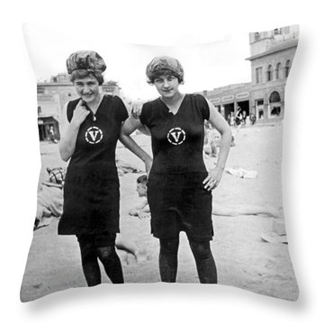 Two Girls At Venice Beach Throw Pillow by Underwood Archives