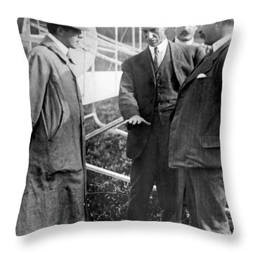 Throw Pillow featuring the photograph Wilbur Wright, 1908 by Science Source
