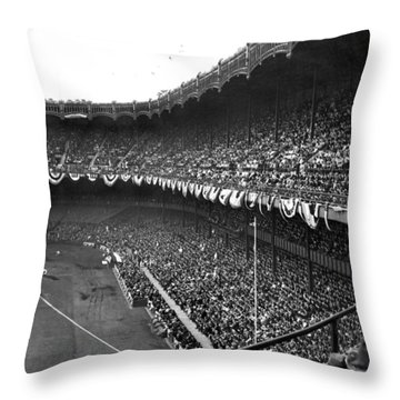 World Series In New York Throw Pillow by Underwood Archives