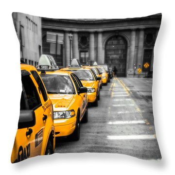 Yellow Cabs Waiting - Grand Central Terminal - Bw O Throw Pillow by Hannes Cmarits