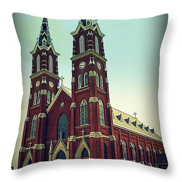 Basilica Of St.francis Xavier In Dyersville Iowa Throw Pillow by Susanne Van Hulst