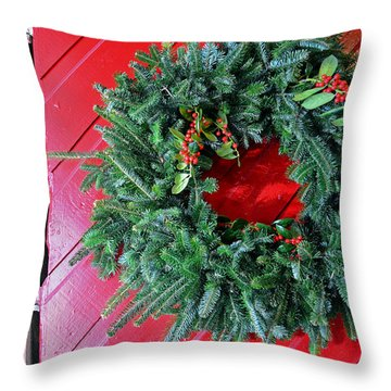 Old Mill Of Guilford Door Wreath Throw Pillow by Sandi OReilly
