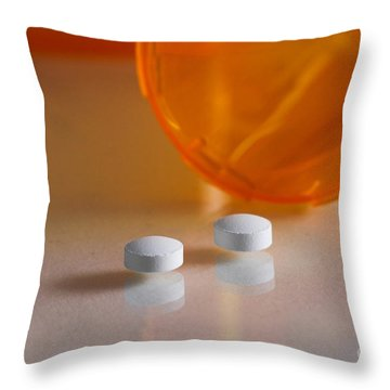 Seroquel Throw Pillow by Photo Researchers, Inc.