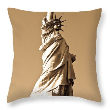 Statue Of Liberty Throw Pillow by Syed Aqueel