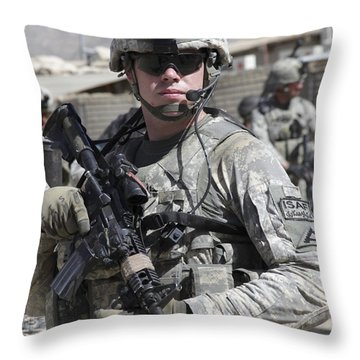 U.s. Army Soldier Conducts A Combat Throw Pillow by Stocktrek Images
