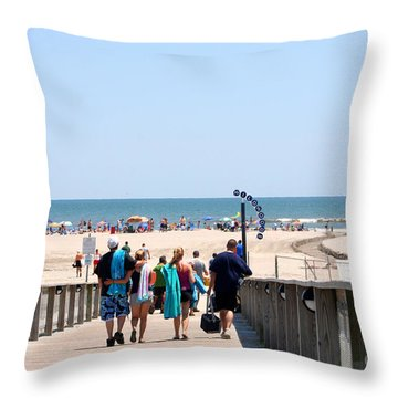 Walking To The Beach Throw Pillow by Susan Stevenson
