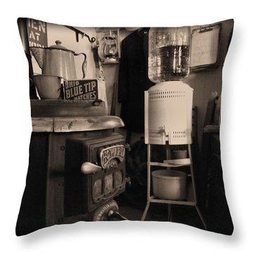 Warm Yourself A Bit Throw Pillow by Cindy Nunn