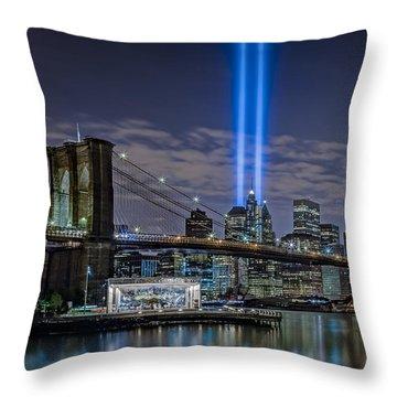 Brooklyn Bridge 911 Tribute Throw Pillow by Susan Candelario