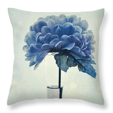 Estillo - 05b2vt03 Throw Pillow by Variance Collections