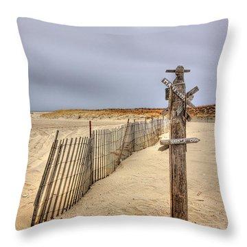 I Dream Of Maui... Throw Pillow by Evelina Kremsdorf