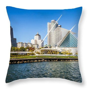 Milwaukee Skyline Photo With Milwaukee Art Museum Throw Pillow by Paul Velgos