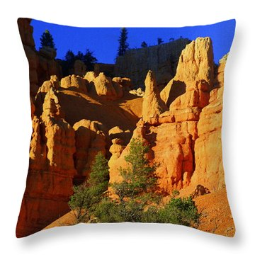 Red Rock Canoyon Moonrise Throw Pillow by Marty Koch