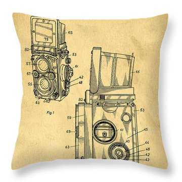 Rolleiflex Medium Format Twin Lens Reflex Tlr Patent Throw Pillow by Edward Fielding