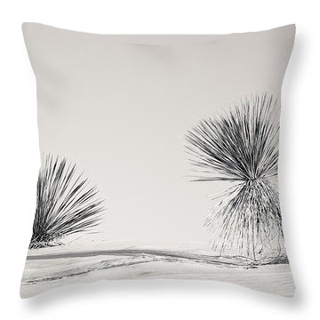 yucca in White sands Throw Pillow by Ralf Kaiser