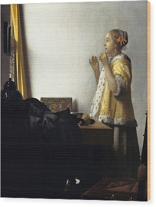 Young Woman With A Pearl Necklace Wood Print by Johannes Vermeer