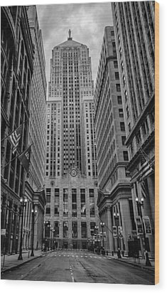 Chicago Board Of Trade Wood Print by Mike Burgquist