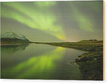 Green Reflection Wood Print by Thorir Bjorgvinsson