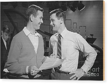 Johnny Carson With His Brother Dick Carson 1963 Wood Print by The Phillip Harrington Collection