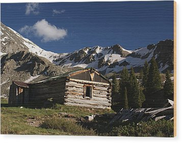 Old Cabin In Rocky Mountains Wood Print by Michael J Bauer