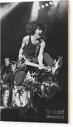 Van Halen - Eddie Van Halen Wood Print by Concert Photos
