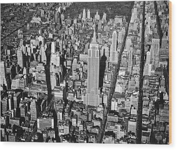 1934 Aerial View Of Manhattan Wood Print by Underwood Archives