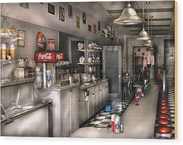 1950's - The Soda Fountain Wood Print by Mike Savad