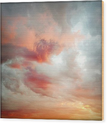 Sunset Sky Wood Print by Les Cunliffe