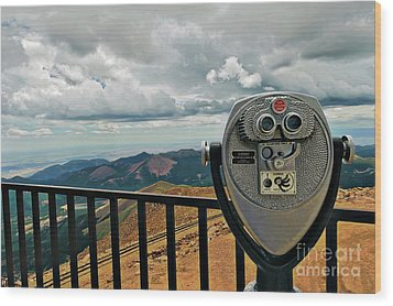 25 Cent Views Wood Print by Charles Dobbs