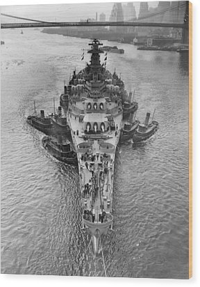 U.s.s. New Jersey Wood Print by Retro Images Archive