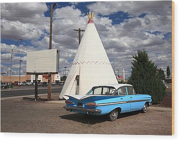 Route 66 - Wigwam Motel Wood Print by Frank Romeo