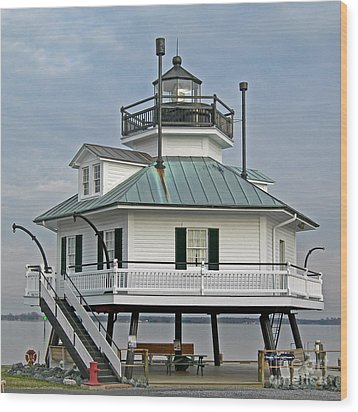 Hooper Straight Lighthouse Wood Print by Skip Willits