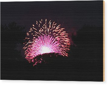 4th Of July Fireworks - 011327 Wood Print by DC Photographer